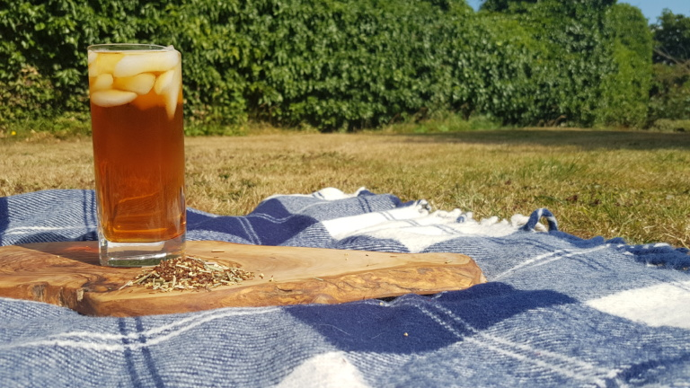 Elderflower and Lemongrass Rooibos and gin iced tea